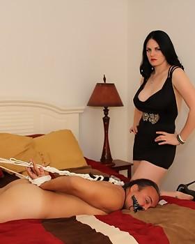 Shae Fatale Cuckolds & Crossdressers